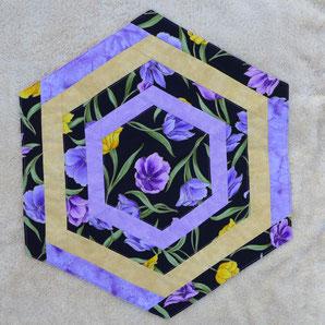 Tischdecke / Mitteldecke / hexagon schwarz lila