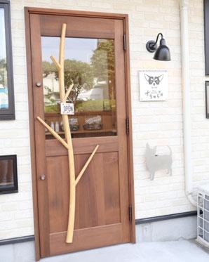 木の玄関ドア 木製ドア ドッグサロン