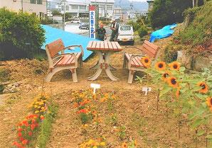一関川崎 鴨地自治会 住民の憩いの場 イスとテーブルは自治会で手作りしたもの。