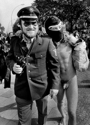 Demonstration gegen das Vermummungsverbot in der Yorckstraße, 1981