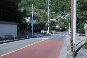 鳩ノ巣駅前交差点