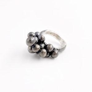 Ring aus der Serie BERRIES, 925 Silber, € 290.-