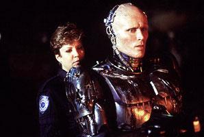 No sabemos si nos gustaba mas Robocop o Nancy Allen