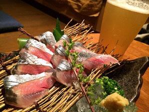 千住「なつ家」秋刀魚刺し&八海山生ビール