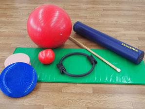 ストレッチポールやバランスボールなどのツール写真