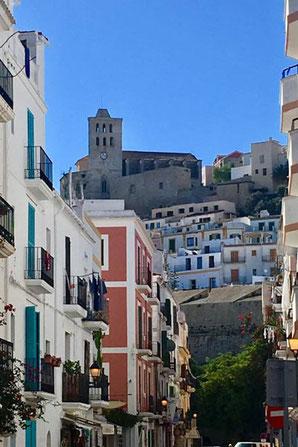 Ibiza La Marina Blick auf die Burg