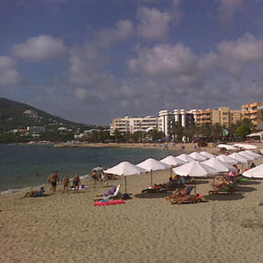 Stadtstrand in Santa Eulalia auf Ibiza