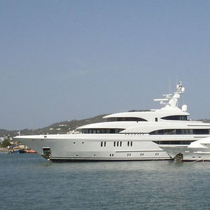 Elegante Yachten mieten auf Ibiza