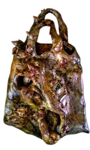 Sac à provisions fossilisé - 1995 - Ciment armé, peint au vernis à ongles