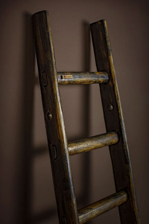 Scala a pioli in legno per arredamento e decoro - Custom wood ladder with sign of ageing