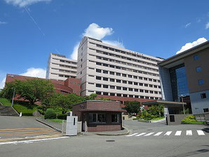九州産業大学正門(2017/08/24撮影)