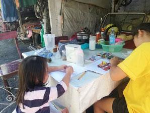 大学生は家事育児を手伝いながら勉強
