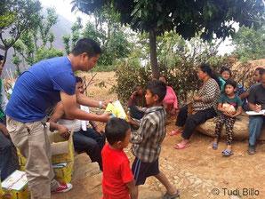 Essensausgabe aus Spendengeldern