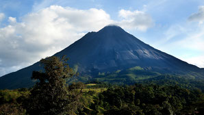 Rio Celeste & Arenal Volcano Combination - Vacation Package