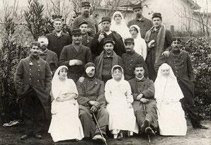 Groupe de convalescents à Saint Jean du Gard.   6 janvier 1915. Source: Collection particulière de M. Brouillet