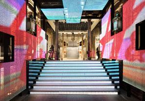 Diseño de interiorismo en H&M Barcelona - Estudio Mariscal.