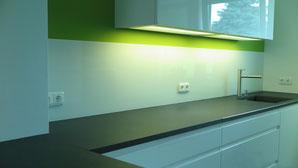 Küchenspiegel aus 6mm ESG weißglas weiß lackiert