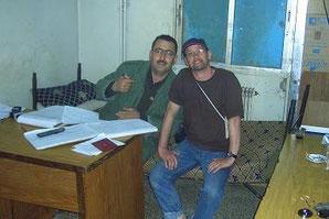 """Franks neuer bester Freund - syrischer Zoellner, man beachte seinen """"Schreibtischstuhl"""""""
