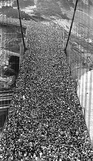 Il passaggio dei pedoni  27 maggio 1937