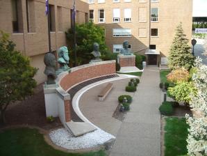 ドクターバンカイロプラクティック:パーマーカイロプラクティック大学