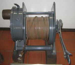 Seilwinde ca. 1945, angetrieben durch Dieselmotor (4 PS)