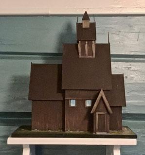 tremodell av stavkirken etter tegning fra 1855
