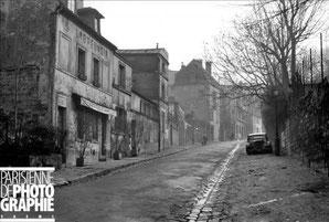 Café de l'abreuvoir à Montmartre dans les années 50
