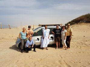 (v.l.n.r.) Silvia, Thomas, Jutta, der Besitzer des Campingplatzes in Nouakchott, Bernd, Birgit und Frank