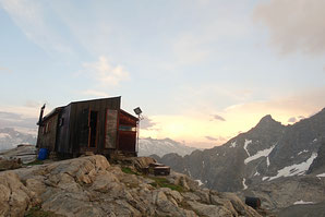 Hiendertelltihorn Ostgrat,  Ostsporn, Touren Gruebenkessel, Gruebenhütte, Boulderraum, Boulderbiwak