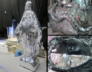 Anfertigung von drei Madonnenfiguren, zwei davon vollstandig mit Spiegelmosaik belegt, H je 420 cm