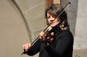 Katja Petrova - Geige und Gesang