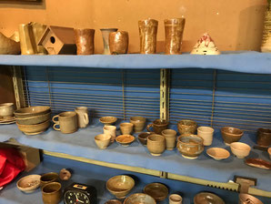 Photo shows some of the ceramic works made by members of Gayoen Togei Kurabu.