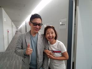 収録後に審査員のピアニスト・小原孝さんと