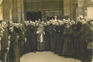 Primera reseña fotográfica oficial de la Cofradía, 1930.