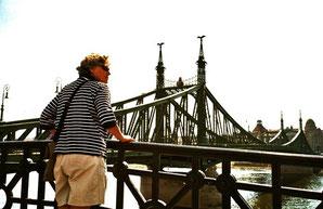 Budapest - auf der historischen Eisenbrücke über die Buda
