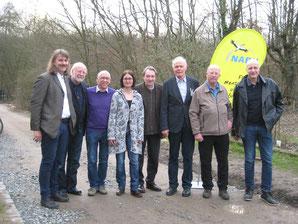 Foto v. links: Josef Tumbrinck - NABU-Landesvorsitzender;  Achim Kemper; Martin Verfürth; Claudia Trunk; Jakob Risch; Horst Bertram; Erhard Benfer; Daniel Brückner - NABU-Landesvorstand.