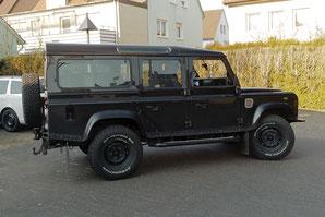 Land Rover Defender TD5 mit Hifianlage Außenansicht