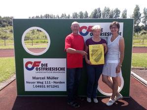 Auf dem Foto v.l.n.r.: Das Orga-Team der TuS Hinte-Sportwoche. Hans-Dieter Klaaßen, Elke Hoffmann und Bärbel Igelmann. Es fehlen Frank Bokker und Marcel Müller.