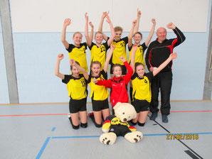 Spielerinnen: v.o.l. Vivien Looger, Esther Kusch, Marie Schwarz (TG-Wiesmoor), Karlotta Lange v.u.l. Lena Bauerle, Carolin de Vries, Anna de Vries, Lisa Cornelius