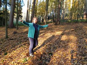 Qigong im Wald: sich ausdehnen wie ein Baum