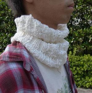 外へ出るときも室内でも、ふんわり暖かい真綿のようにのどを保護したいのです。