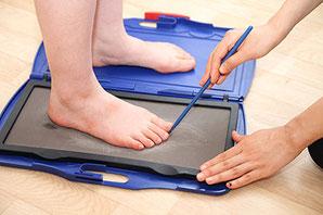 フットプリントによる足の健康チェックイメージ写真