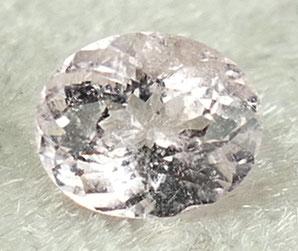 Morganite - Béryl rose facetté ovale de Namibie pierre précieuse fine à sertir