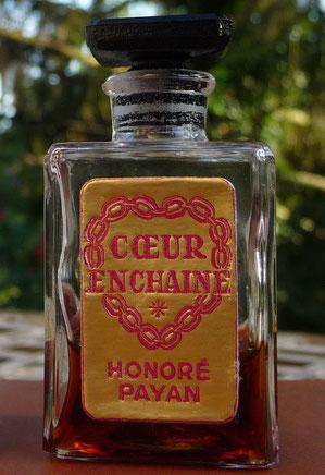 COEUR ENCHAINE - BOUCHON BAKELITE NOIRE - FLACON 1ère TAILLE