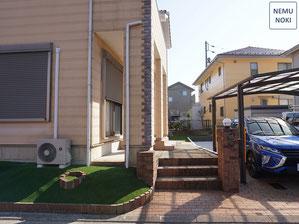 駐車場、リフォーム、人工芝、のり面緑化、雑草防止対策、ザバーン240、施工例