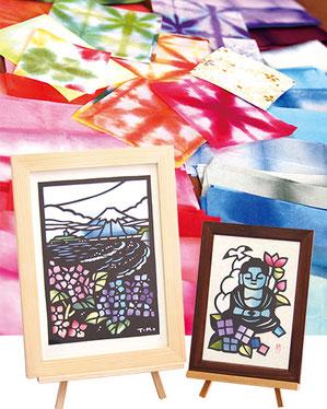 初回は「大仏」(右)、第2・3回は「江の島と富士と紫陽花」(左)を制作。同じ図案でも、色付けによって個性を出せるのもカラー切り絵の魅力です。