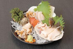 Assorted Shell Sashimi 1,390 yen