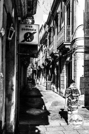 Sicile, sicilia, trinacria, catane, art, catania, italie, art, travel, noir et blanc, black and white, street photography, carcam, je shoote