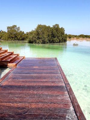 Beach Plattform zum Füße nass machen