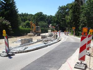 Bald können Radfahrer und Fußgänger die Staatsstraße am östlichen Ortsausgang  von Seligenporten sicherer kreuzen